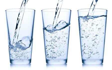 อยากสวยทำยังไง ดื่มน้ำเปล่า