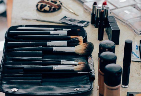 make-up-1209798_960_720